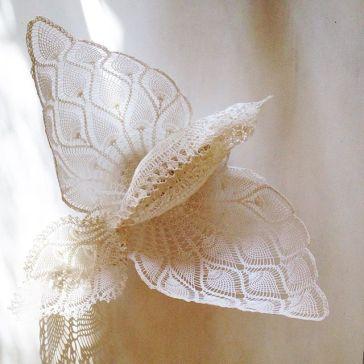 oiseau dentelle géant suspension mariage décoration salle maillo design